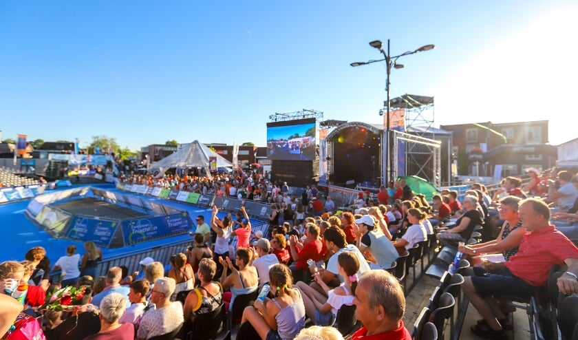 <p>Zo gezellig had het ook dit jaar moeten worden tijdens de triatlon in Holten.&nbsp;</p>