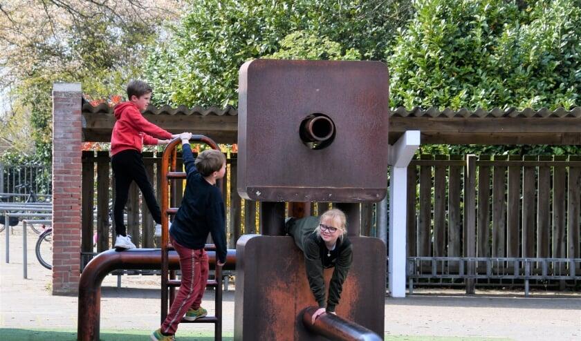 De Buitenschoolse Opvang (BSO) mocht vorige week weer open, na maanden van sluiting. De kinderen genieten er weer van.