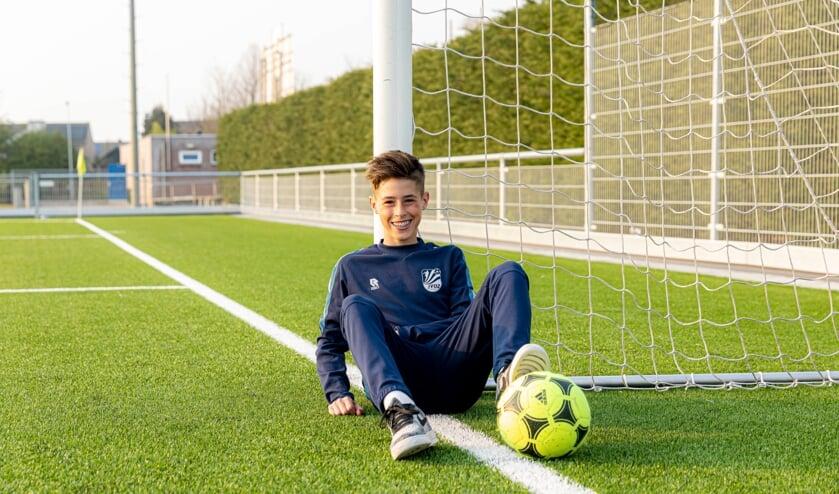 <p>Kyeno Freijzer (13) uit Axel maakt de overstap van JVOZ naar NAC Breda.&nbsp;</p>