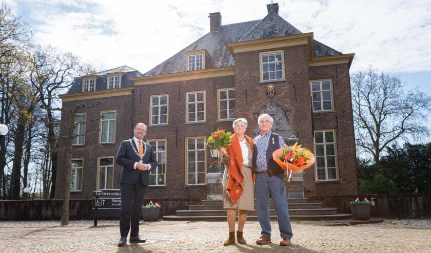 <p>Echtpaar Adriaan en Adriana Van den Heuvel</p>