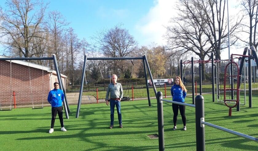 <p>Vlnr: Michel Ganeshi (GV Sportlust), Tom van Veen (CVV Sparta) en Lisa Aintsley (GV Sportlust).</p>