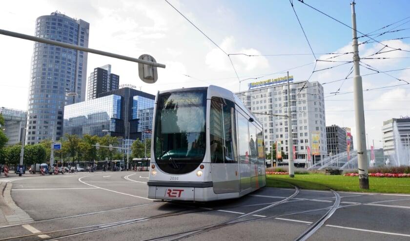 <p>Tram op het Hofplein.</p>