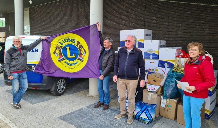 <p>.De blije gezichten van Nel Verschoor en Gonneke Miedema, contactpersonen van de stichting, spraken boekdelen.</p>
