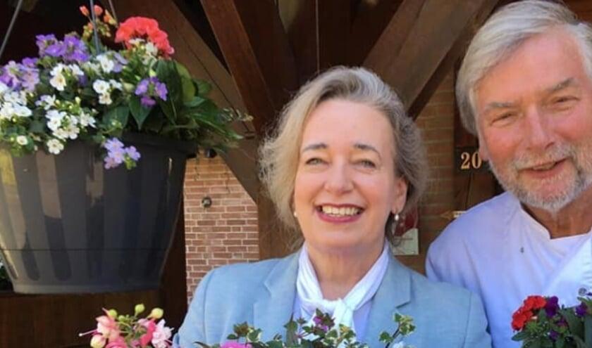 <p>John Berghaan en zijn Anita zijn niet alleen dolblij met de Zoover Award voor hun hotel Het Ros van Twente, maar zeer vereerd met de hoge waardering die zij kregen van de jury.</p>