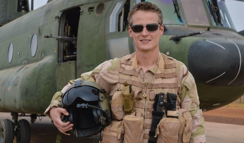 <p>Pieter verruilt de Chinook-helikopter voor eenmotorige kisten van de Mission Aviation Fellowship. Een carrière in de luchtmacht laat hij op de grond om een hoger doel te dienen. &nbsp;Foto: Pieter Room/MAF</p>