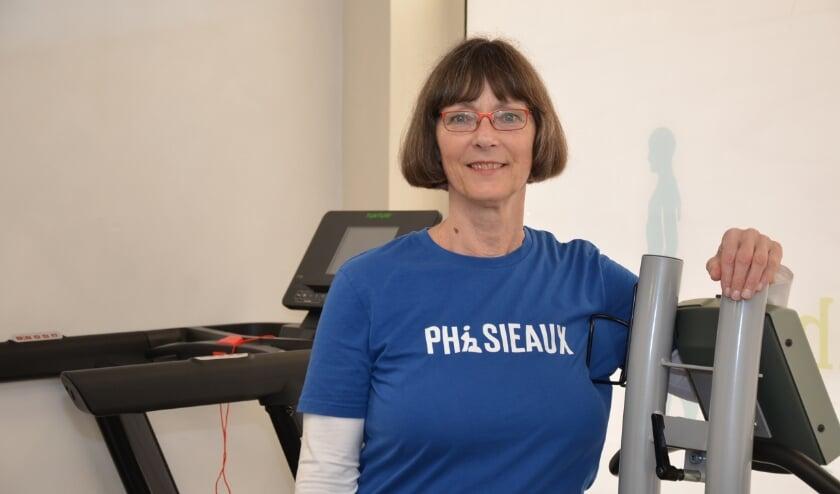 <p>Fysiotherapeut Conny van het Schip-van Woerden: &quot;Het is maatwerk, want iedereen reageert anders. Dat maakt het vak wel heel erg leuk.&quot;</p>
