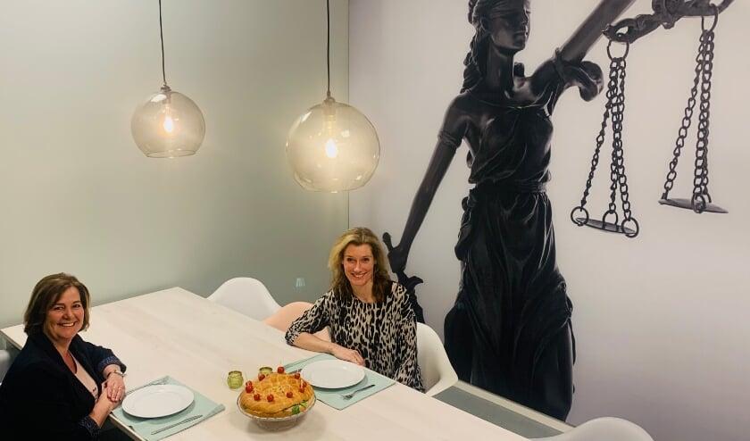 <p>&nbsp;Secretaresses Marjon en Nicole van Kehrens Snoeks Advocaten & Mediators in Best.</p>