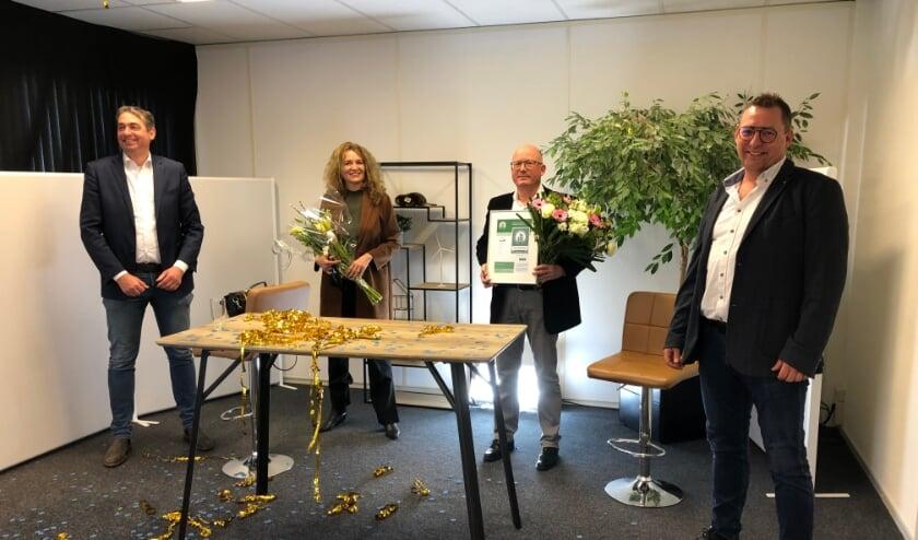 <p>Remco Kerkhoven (Betonhuis/CSC), Leonie van der Voort (directeur Cascade), Henk van Steenbergen (KAM-manager Dekker) en Pleun Kleinveld (Kiwa Nederland (foto: Cascade).<br><br><br><br></p>