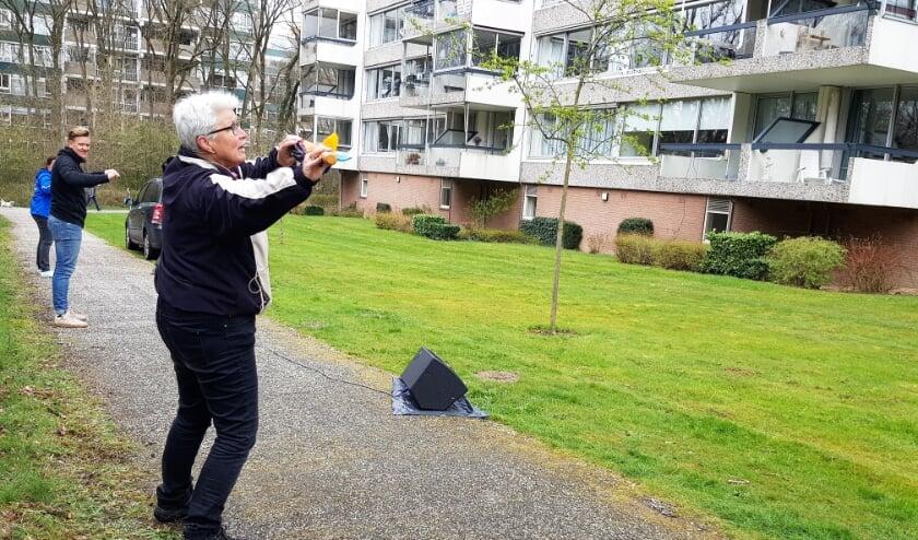 <p>Het enthousiasme van Helma Bod werkte aanstekelijk op de bewoners van de Doorwerthse Beethovenlaanflats.</p>