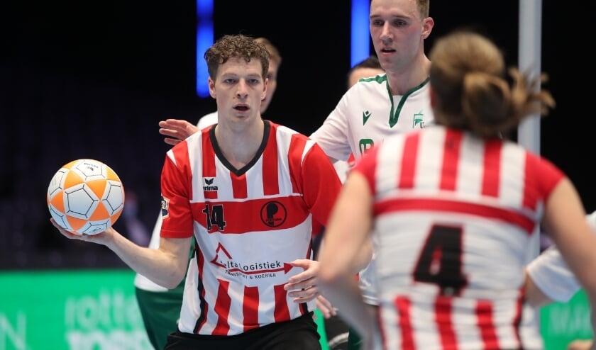 <p>PKC won zaterdagmiddag in Rotterdam Ahoy de Korfbal Leaguefinale tegen titelverdediger Fortuna met 22-18. (Foto: Marco Spelten)</p>