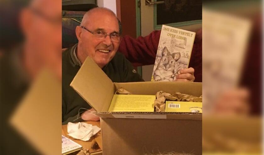 <p>Een droom is uitgekomen voor Kees de Ruiter. Zijn boek Ome Kees vertelt over Liene is verschenen. Foto: H&aring;kon Akkerman</p>