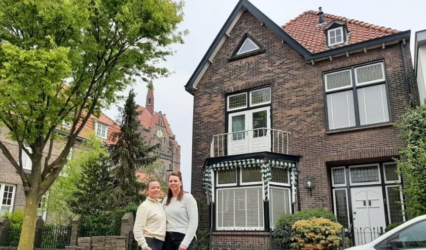 <p>Ilse en Gladys Legtenberg hebben hun kookeiland en dromen van veel gezellige etentjes met vrienden en familie.</p>