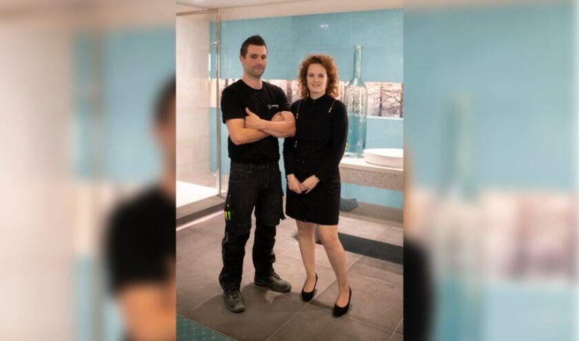 <p>Ellen en Erik van Sanidr&otilde;me van de Ven, ontzorgen klanten die een nieuwe badkamer willen plaatsen.</p>