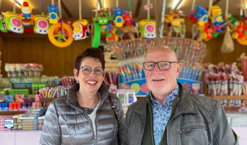 <p>Tonnie en Lida van snoepkraam Luilekkerland.</p>