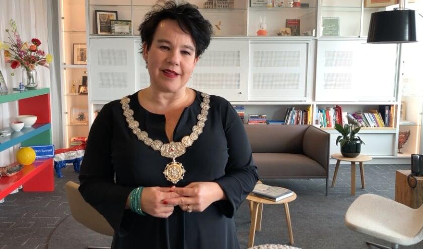 <p>De campagne #ikherdenk van het Utrechts Comit&eacute; 4 Mei Herdenking heeft een indrukwekkende reeks videoboodschappen van Utrechters opgeleverd. Ook burgemeester Dijksma is online te zien.&nbsp;</p>