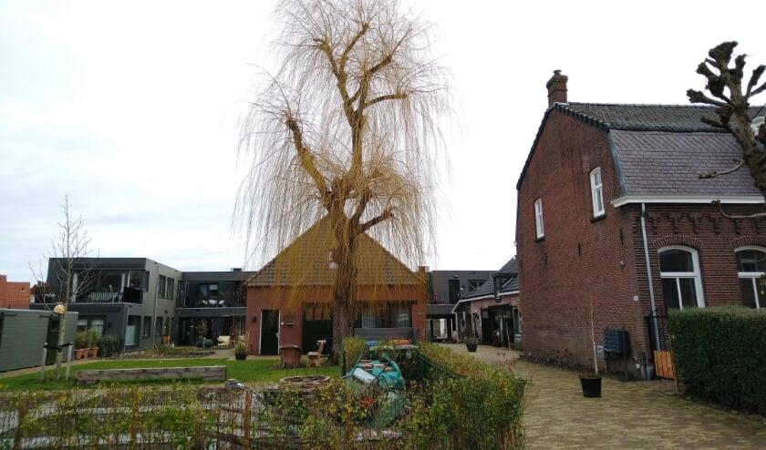 <p>De monumentale stadsboerderij De Lindehoeve is gerestaureerd en omgebouwd tot woningen.&nbsp;</p>