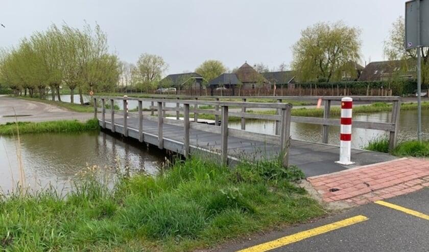 <p>Het dorpsplatform pleit ervoor dat deze brug blijft liggen.</p>
