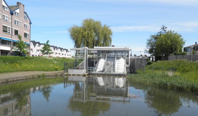 <p>Het gemaal De Leyens is een van de waterwerken die met de fietstocht wordt gepasseerd.</p>
