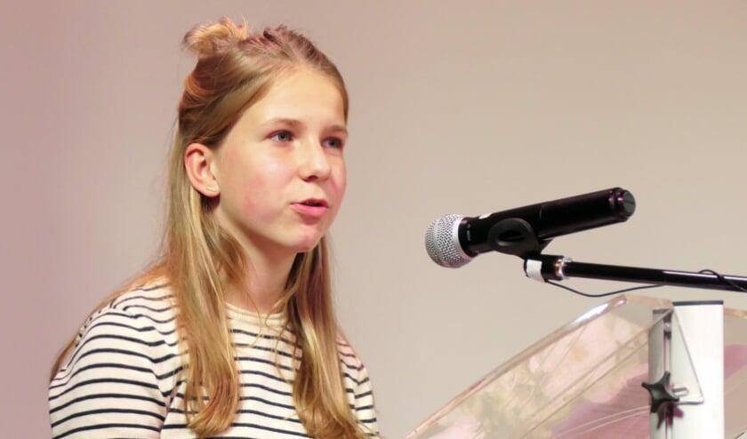 <p>Charlotte van der Hoek droeg tijdens de dodenherdenking een gedicht voor dromen van een mooie wereld.&nbsp;</p>