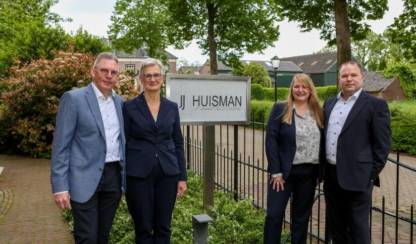 <p>V.l.n.r.: Jan en Jannie Huisman en Diana en Erwin Haagen.</p>