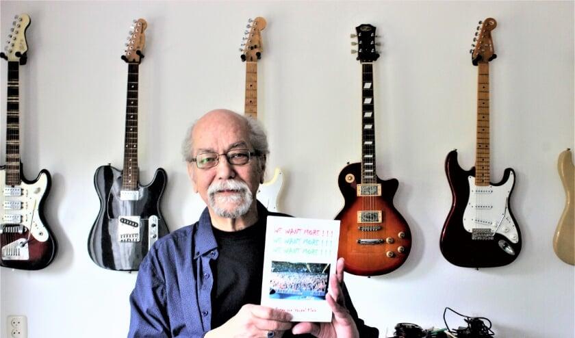 <p>Peter beschrijft in zijn nieuwe boek &#39;We Want More&#39; zijn belevenissen als gitarist in een band.</p>