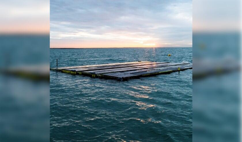 <p>Het eerste drijvende zonnepark ter wereld.&nbsp;</p>