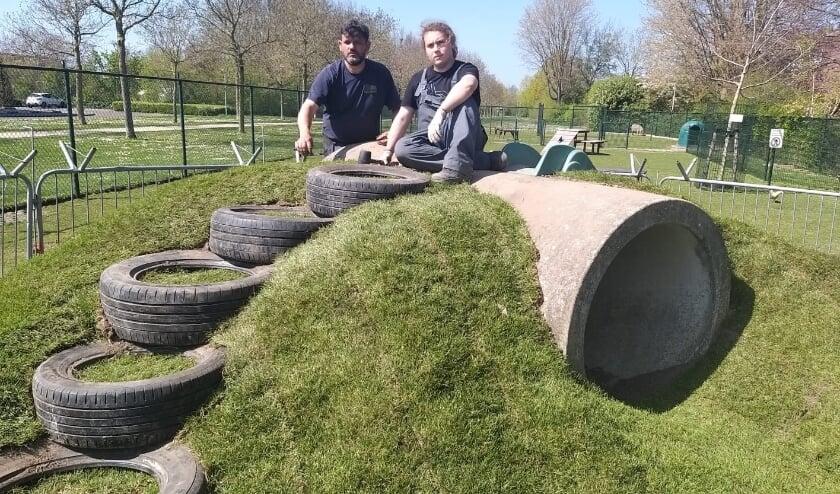 <p>De rioolbuis is omgetoverd tot een speelheuvel.</p>