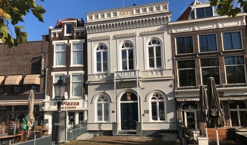 <p>Arti Legi op de Markt krijgt een terras. Foto: Louwrens DIjkstra</p>