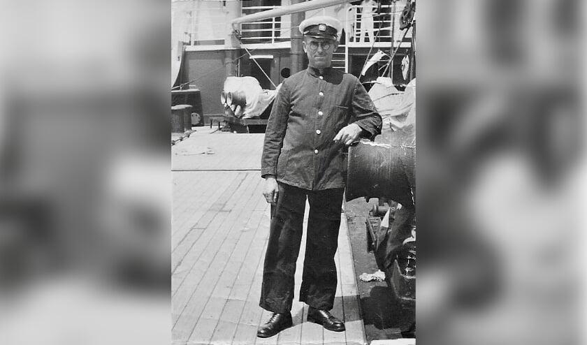 <p>Hendrik van der Mark aan boord van een van zijn schepen.&nbsp;</p>