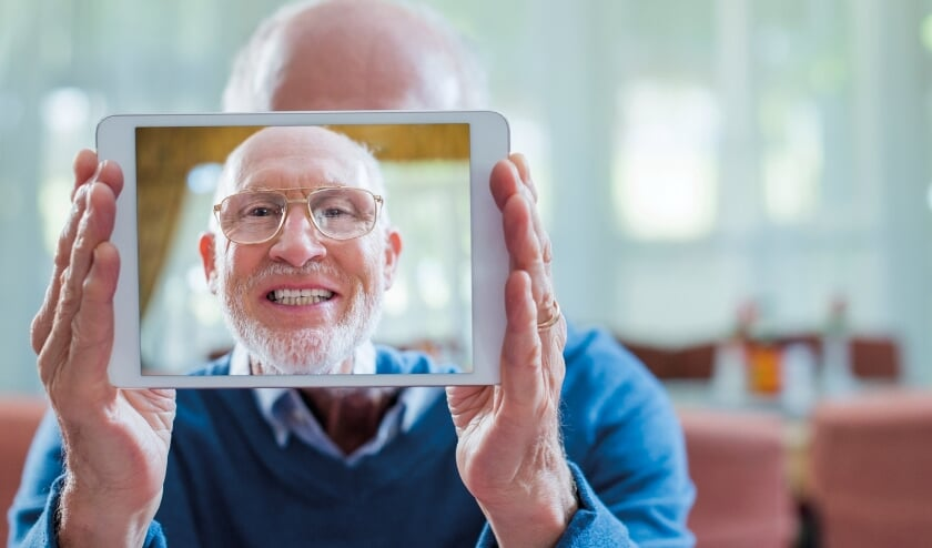 <p>SeniorWeb biedt senioren alle hulp op het gebied van werken met computers, laptops en smartphones.</p>