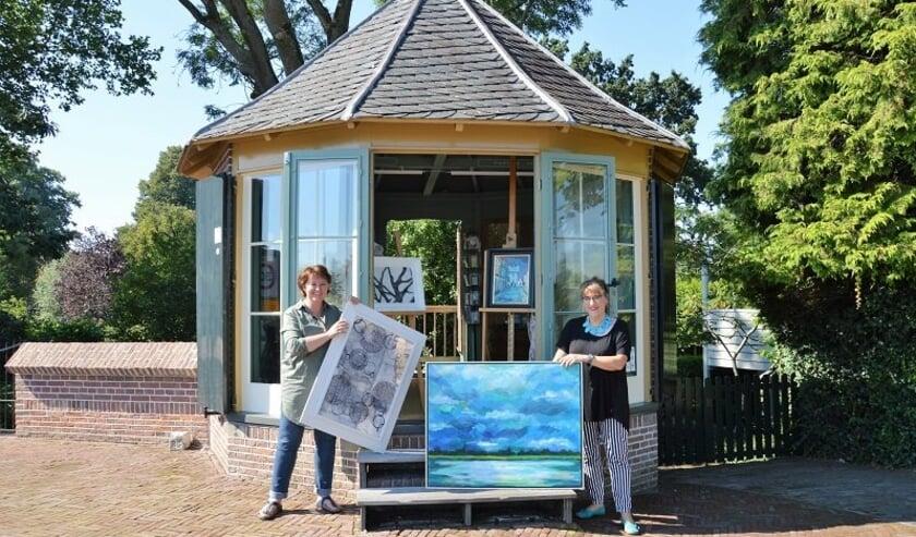 <p>&nbsp;In het atelier in de Voermankoepel zijn de kunstenaars Roeli Rumscheidt en Inge in &rsquo;t Hout bijna dagelijks aan het werk. </p>