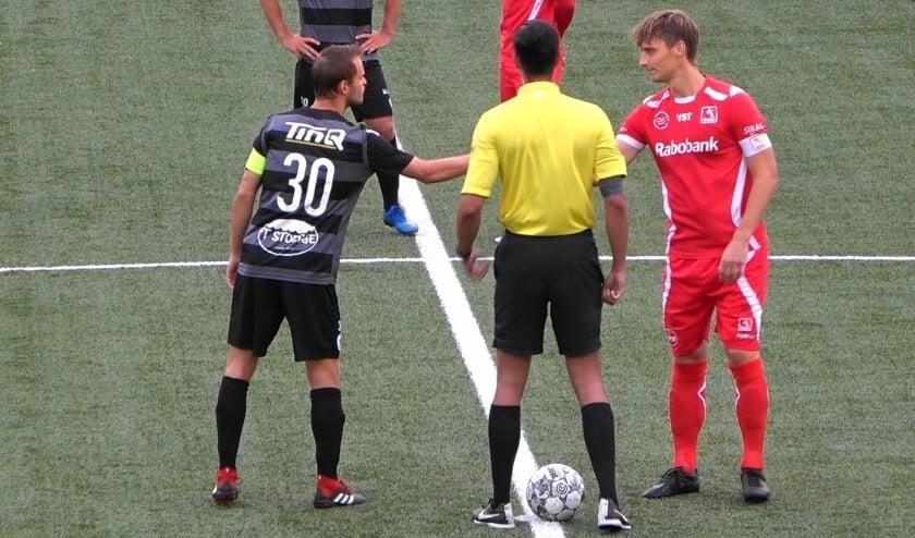 Voor DOVO fungeerde Barry Beijer deze wedstrijd als aanvoerder.