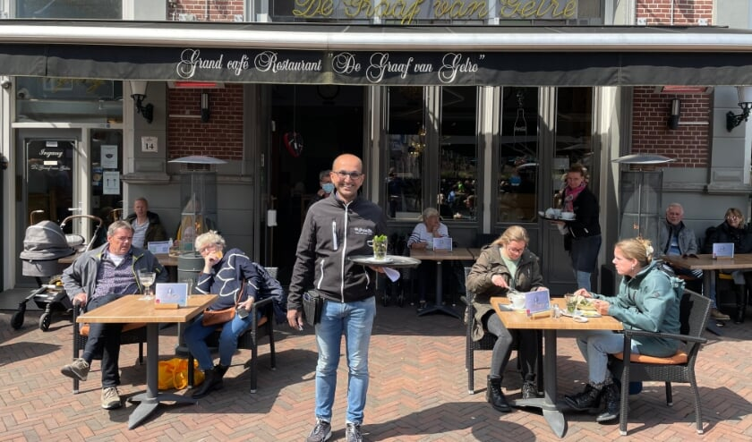 Zon, volop reserveringen en een drukke binnenstad; Sanjay Kowlesar had zaterdag een topdag met De Graaf van Gelre.
