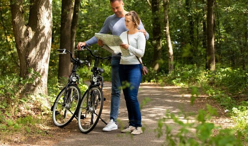 <p>De fietskaarten van VisitBrabant trekken door verschillende delen van Brabant. Ook door de omgeving van Tilburg met diverse themaroutes.&nbsp;</p>