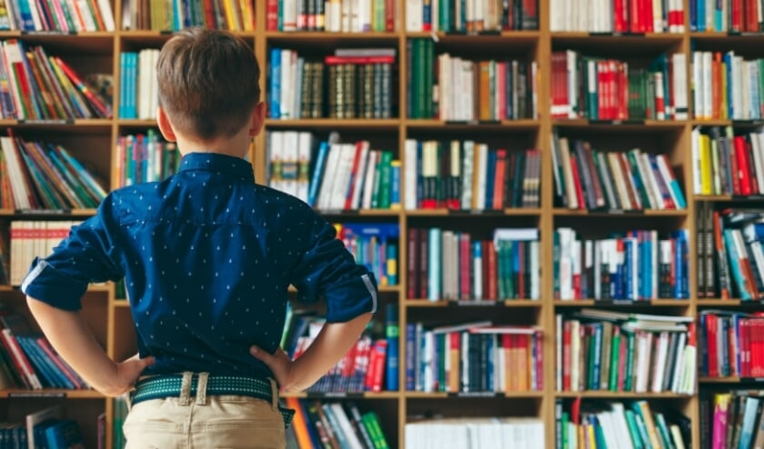 <p>Het mag weer, struinen langs rekken vol boeken in de bibliotheek aan het Raadhuisplein in Best. Houd wel rekening met de aangepaste openingstijden en alle noodzakelijke coronamaatregelen.</p>