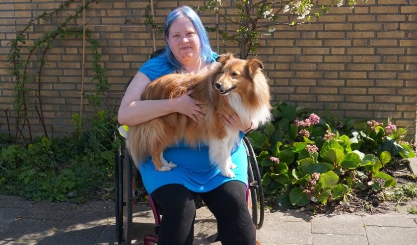<p>Aedan is een maatje voor Marije Versendaal, een onvoorwaardelijke steun en toeverlaat. Foto: Louise Mastenbroek</p>