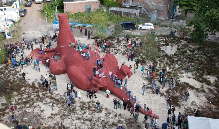 <p>Het Feestaardvarken tijdens de onthulling.</p>