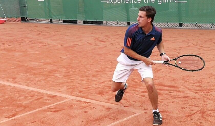 <p>Leren tennissen of je conditie op peil houden dat kan bij Holy via de zomer challenge met een aantrekkelijk abonnement voor de maanden juni, juli en augustus.</p>