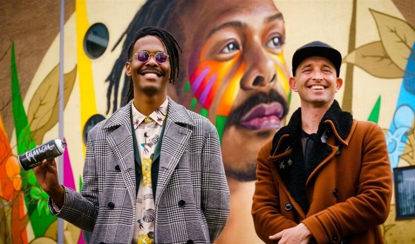 <p>Kunstenaar Tymon de Laat (r) en zanger Jeangu Macrooy (l), de Nederlandse inzending voor het Eurovisie Songfestival.&nbsp;</p>