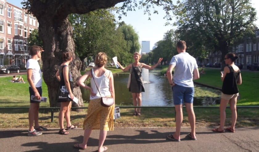 <p>Deelnemers en stadsgids Astrid.</p>