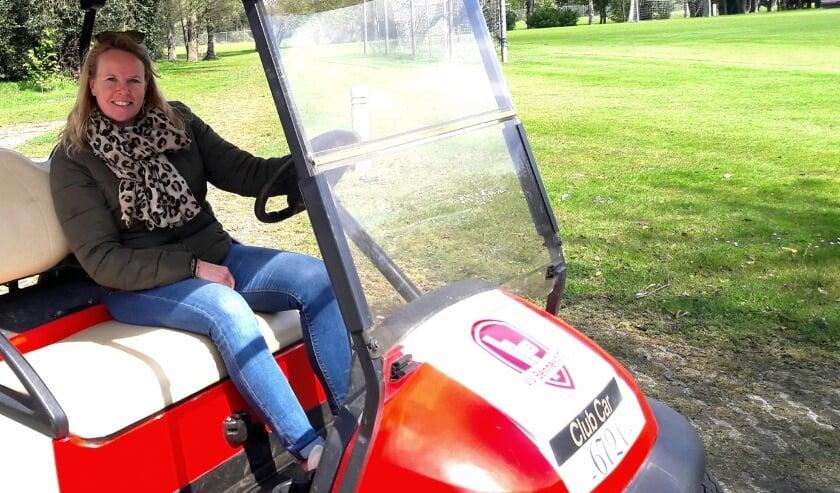 <p>Monique Emmen trekt namens de Dorpsraad door heel Bennekom, maar alleen op de Eikelhof in een golfkar&hellip;</p>