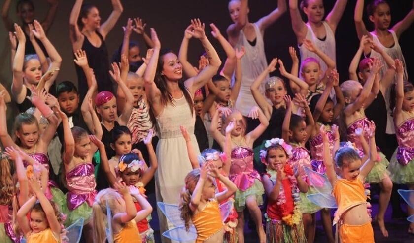 <p>Ballet- en Dansstudio Schiedam en Vlaardingen danst voor sponsoring van VR-brillen voor de kinderafdeling van Franciscus Gasthuis & Vlietland.&nbsp;</p>