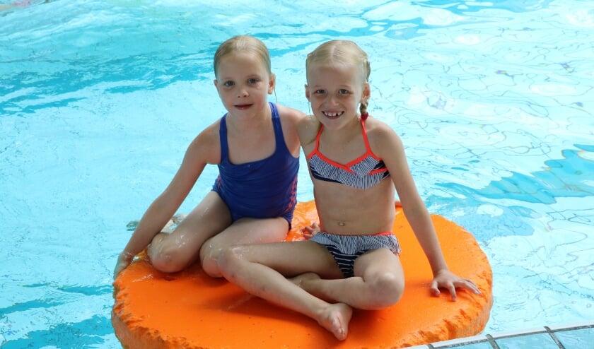 <p>We mogen weer in groepen zwemmen!</p>