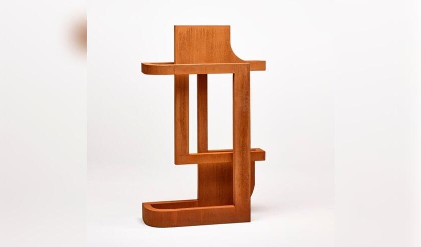 <p>Helen Vergouwen, 559 folded, 2020, Cortenstaal, 93 x 26 x 150 cm&nbsp;</p>