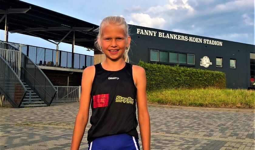 <p>Julia Seppenwoolde (10) liep afgelopen zaterdag bij de ASV Atletics Mila Challenge de1000 meter in 3 minuut 25.</p>