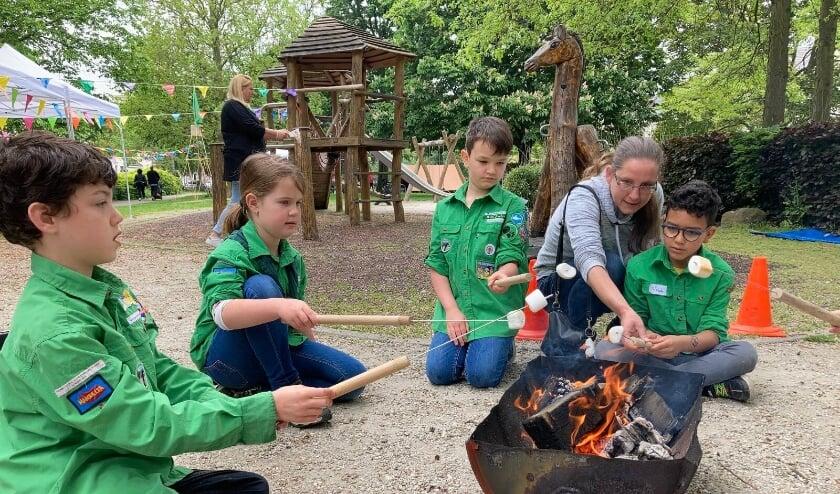 <p>De Scouting Franciscus Lodewijkgroep uit Schiedam vierde haar 88e jubileum met omwonenden in de Plantage.&nbsp;</p>