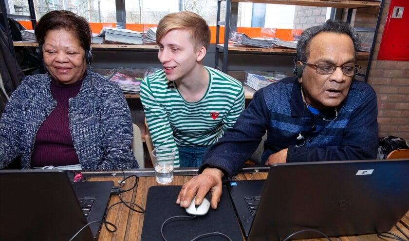 <p>De eerste jongeren in Zwijndrecht, Hendrik-Ido-Ambacht en Dordrecht hebben hun maatschappelijke diensttijd afgerond.</p>