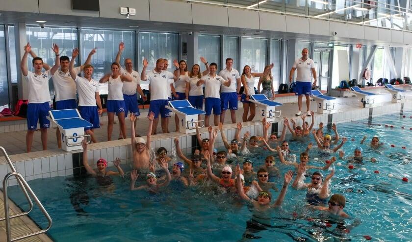 <p>De nieuwe track-startblokken vergroten de allure van zwembad Aquarijn.</p>