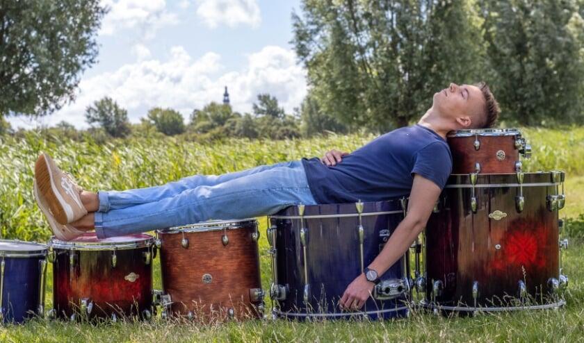 Matthijs Sturm, drummer, droomt ervan om weer opgetrommeld te worden
