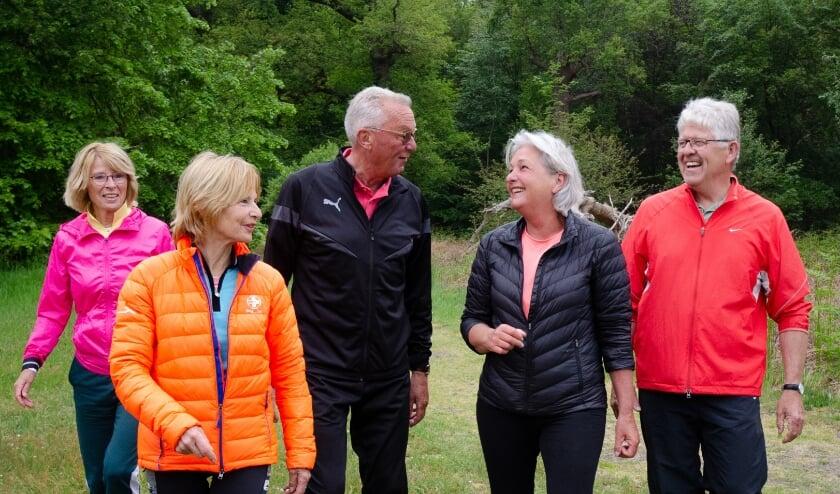 <p>Bij GezondOud sporten deelnemers in natuurgebieden.</p>